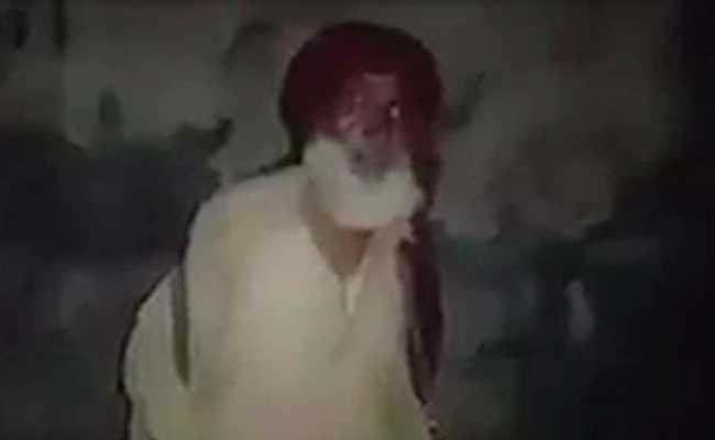 Video Of Sikh Man Waking Up Muslim Neighbours For Pre-Dawn Meal Is A Hit