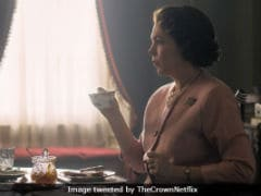 <i>The Crown</i> New Still: Olivia Colman Transforms Into Queen Elizabeth II