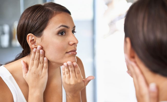 Castor Oil: Use It As The Perfect Home Remedy For This Skin Disease