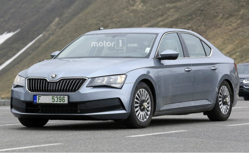 skoda superb facelift spied testing ndtv carandbike. Black Bedroom Furniture Sets. Home Design Ideas