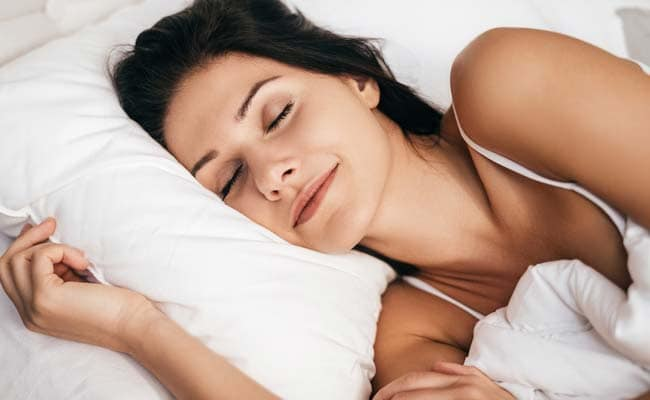 7 Foods You Should Avoid Eating Before Going to Bed | Foods to Avoid Before Sleep | sone se pahle kya khaye