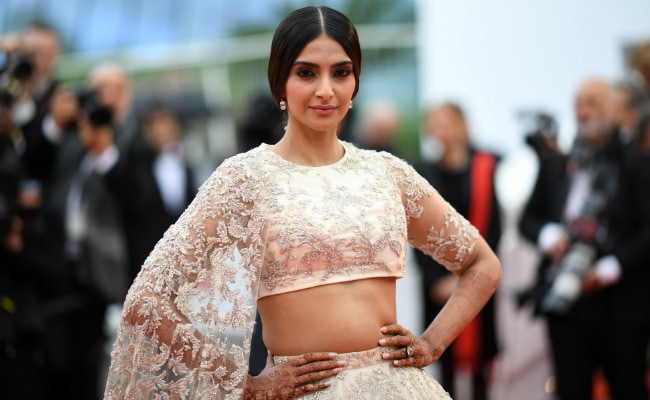 Cannes 2018 Desi Girl Sonam Kapoors Traffic Stopping Lehenga Look
