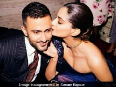 Sonam Kapoor And Anand Ahuja's Loved-Up Pics Prove 'Everyday's Phenomenal'