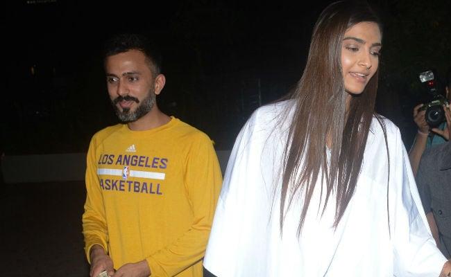 Sonam Kapoor's Work-Life Balance: Veere Di Wedding Duties, Then Date With Anand Ahuja