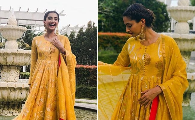 6f6f16d11ee4f In Shades Of Yellow, Colour Sonam Kapoor Happy