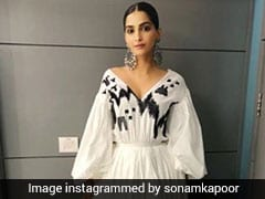 Sonam Kapoor And Kareena Kapoor Slay In Summery White