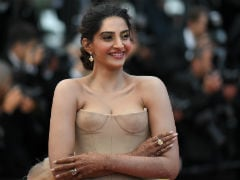 Sonam Kapoor's Bridal Mehendi At Cannes Caught The Attention Of Foreign Media