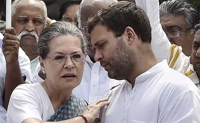 Karnataka Election Results 2018: With Karnataka Lost, Gandhis Met For Lunch, Delivered Plan B To Party