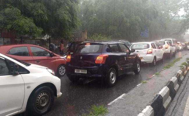 Delhi Rain Updates: Heavy Rain Lashes City, Traffic Snarls, Congestion In Various Parts