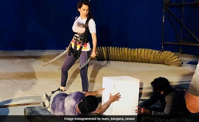 Manikarnika: Kangana Ranaut Is An 'Unbeatable Queen'. This BTS Photo Is Proof