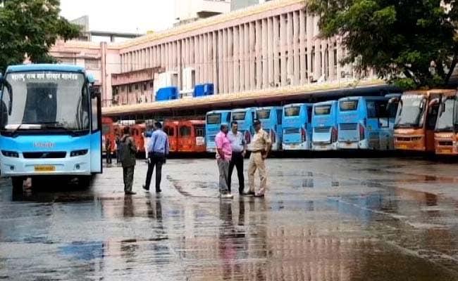 महाराष्ट्र: राज्य परिवहन के कर्मचारी अचानक गए हड़ताल पर, मुसाफिरों की परेशानी बढ़ी