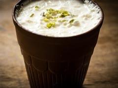 Cold Drink को जाओ भूल, अच्छी सेहत के लिए आज से आजमाएं ये 7 देसी ड्रिंक्स