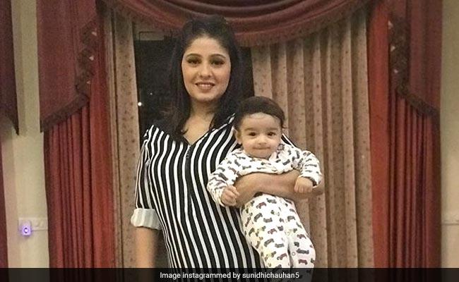 सुनिधि चौहान ने दिखाई बेटे की First Photo, 4 महीने पहले हुआ था जन्म