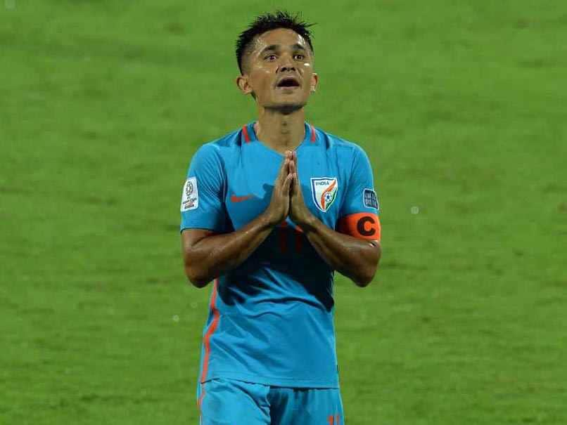 Sunil Chhetri Disgusted As Fan Throws Indian Flag On Him For Autograph