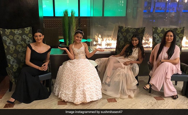 Sushmita Sen's Family Holiday To USA Is Warming Our Hearts