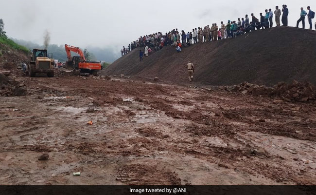 Jammu Srinagar National Highway Remains Closed For Second Day
