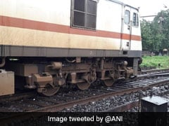 2 Coaches Of Kalka Mail Derail While Entering Howrah Station