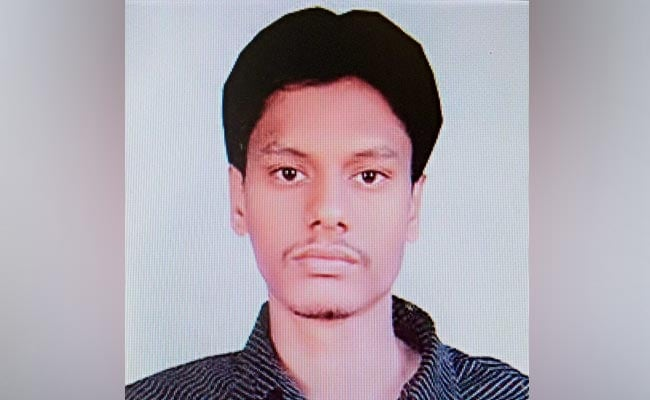 मुंबई : 11 मई को गिरफ्तार संदिग्ध आतंकी फ़ैसल मिर्ज़ा के हैंडलर को भी दुबई में हिरासत में लिया गया