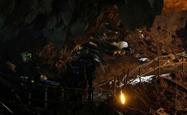 Four more boys reach Chamber 3 in cave