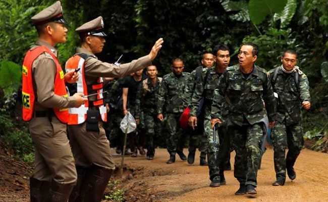 Four more boys rescued from Thai cave