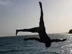 टाइगर श्रॉफ ने लगाई ऐसी जंप सीधे गए पानी में, वीडियो हुआ वायरल