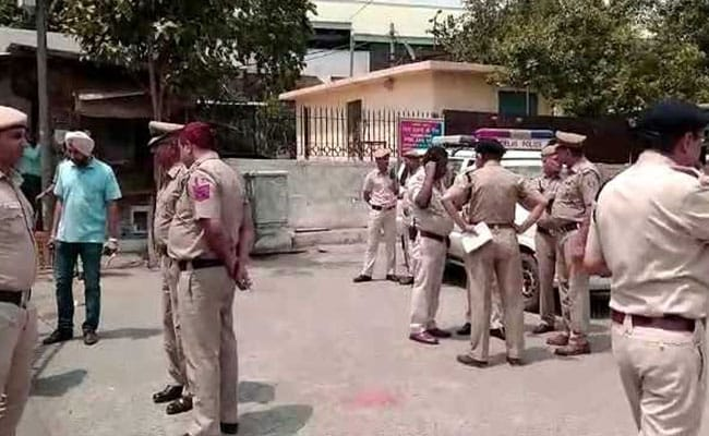 17-Year-Old Opens Fire At Notorious Gangster Outside Delhi Trial Court