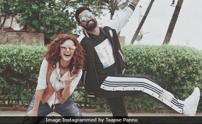 Taapsee Pannu And Manmarziyaan Co-Star Vicky Kaushal Are 'Weird Posers'