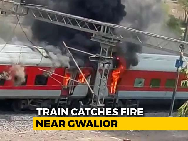 Video : Fire On 2 Coaches Of Andhra Pradesh Express, Narrow Escape For Passengers