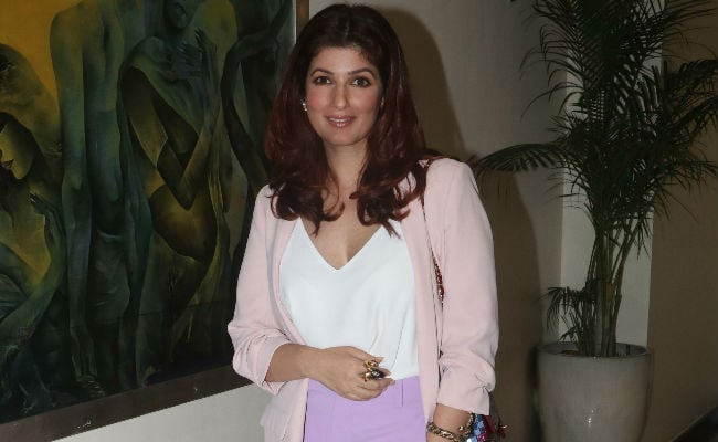 Akshay Kumar And Kids Are Away. Twinkle Khanna Shares What She's Up To Now