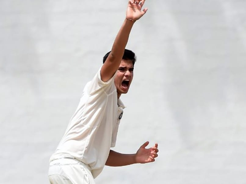Arjun Tendulkar takes first wicket; Vinod Kambli gets emotional
