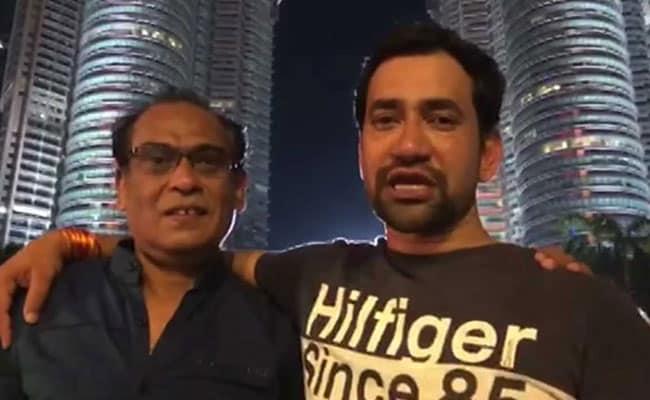 Video: निरहुआ ने फैन्स को दी सलाह, 1000 रुपये में यूं देख सकते हैं मलेशिया का ट्विन टॉवर्स...