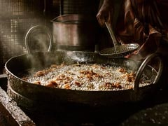 Punjab Warns <i>Dhabas</i>, Hotels Against Endlessly Reusing Cooking Oil