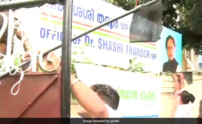 BJP Youth Activists Attack Shashi Tharoor's Office For 'Hindu Pak' Remark