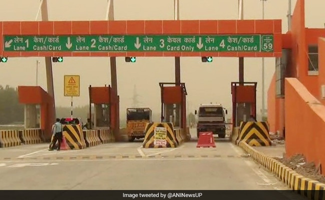 There are currently 462 toll plazas across the country