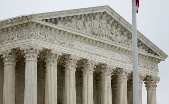 US Supreme Court Throws Out Immigrant Teen Abortion Ruling