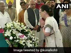 सोनिया गांधी ने अटल बिहारी वाजपेयी को दी श्रद्धांजलि, कहा- जीवन भर लोकतांत्रिक मूल्यों के लिए खड़े रहे