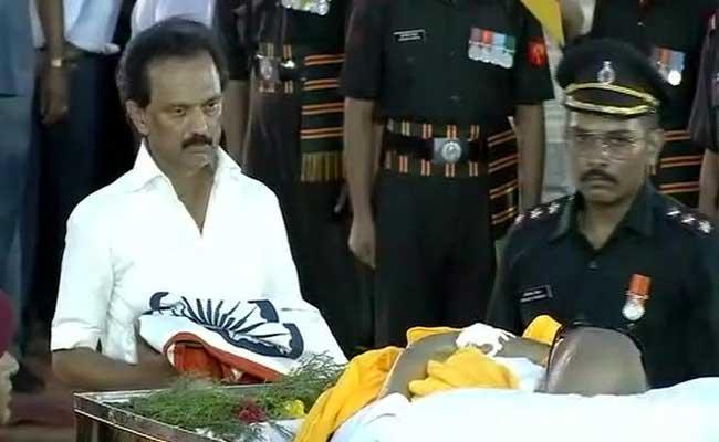 MK Stalin Leads Tributes To Karunanidhi At Burial Site