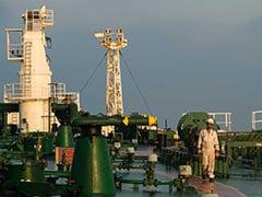 निजी तेल कंपनियों की कमाई का सरकार के पास हिसाब नहीं, सरकारी कंपनियों ने किया 12 लाख करोड़ का कारोबार