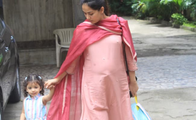 Mira Rajput's Pregnancy Glow Is Hard To Miss But Misha Being Cute Steals The Show