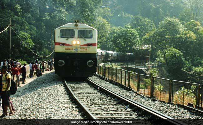 RRB Recruitment: रेलवे में नौकरी के नाम पर धोखाधड़ी करने वाला गिरोह है सक्रिय, इस तरह रहें सावधान
