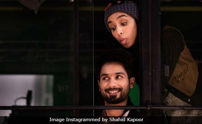 Batti Gul Meter Chalu New Poster: Shahid  Kapoor Reminds Fans Of Trailer's Release Date