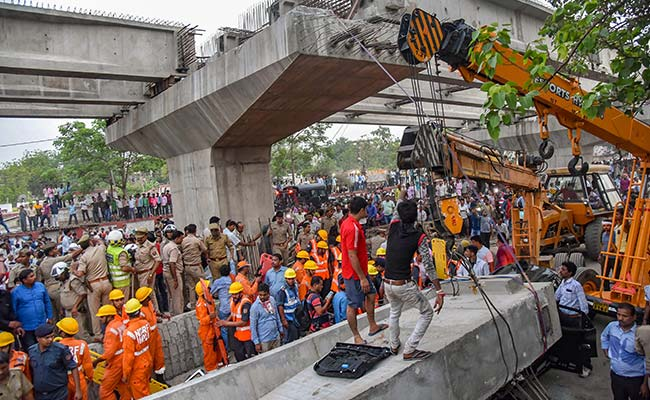 varanasi flyover collapse pti