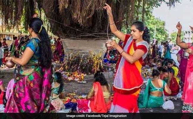 Vat Purnima Vrat 2018: आज है वट पूर्णिमा, जानिए पूजा विधि, शुभ मुहूर्त और व्रत कथा