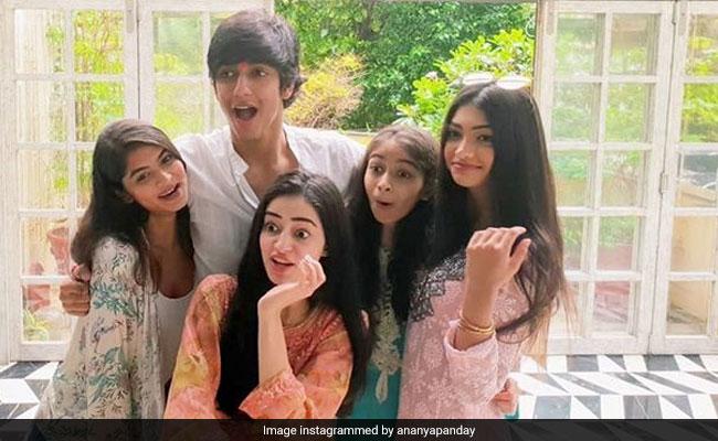 Raksha Bandhan 2018: Hilarious Accident At Ananya Panday's Rakhi Celebrations