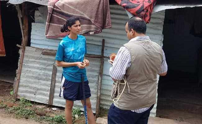 शर्मनाक: भारतीय हॉकी टीम की गोलकीपर झुग्गी में रहने को है मजबूर