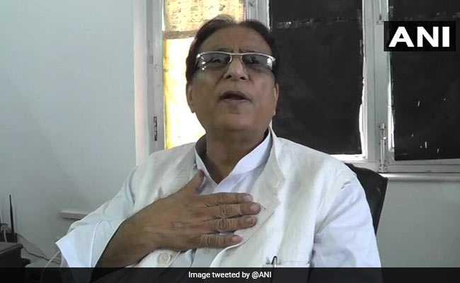 जयाप्रदा के खिलाफ  'खाकी अंडरवियर'  वाले बयान पर फंसे आजम खान, महिला आयोग सख्त