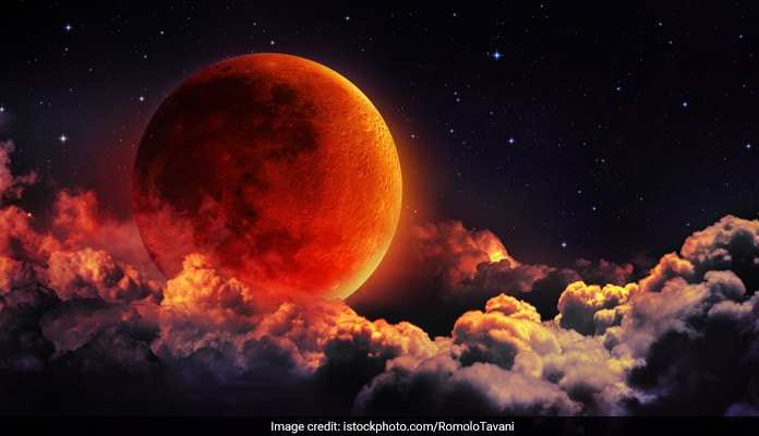 Skywatchers thrilled by lunar eclipse