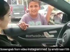 रईस लड़की के इशारे पर गरीब लड़के ने किया ऐसा धांसू डांस, खोल दिया बटुए का मुंह- Video हुआ वायरल