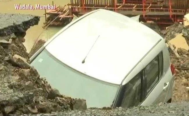 wadala wall collapse