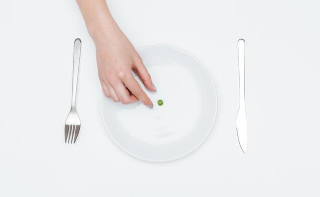 भूखे रहने के शौकीन लोगों को जल्दी आता है मोटापा, डायबिटीज होने का भी खतरा